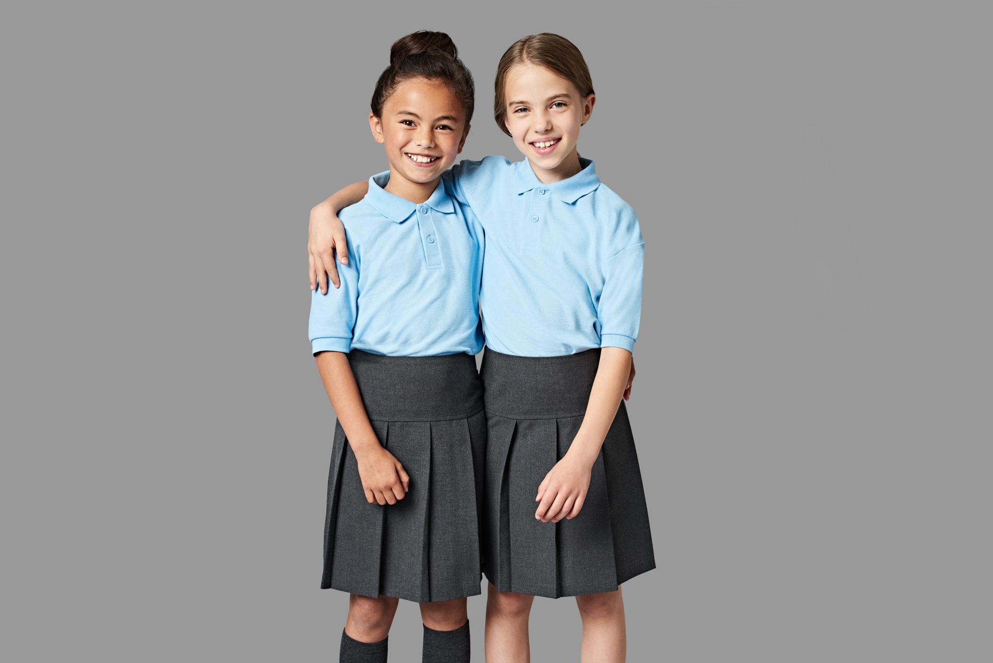 de8fbbfdc13e7a Schulkleidung in aller Welt - UNICUM Schulkleidung
